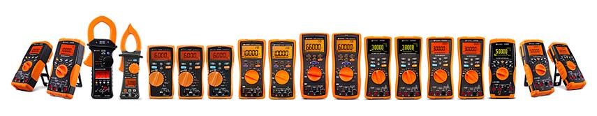 Ручные цифровые мультиметры, токоизмерительные клещи и калибраторы/измерители